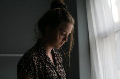 الإجهاد العاطفي: الأسباب والعلاج - الاستنزاف العاطفي والتعب والعواطف الغامرة - التوتر الشديد - الإصابة بأحد الأمراض المزمنة