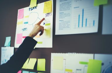 عشر نصائح تبدأ بها عامك الجديد، إليك أفكارًا جديدة لاتخاذ قراراتك للعام الجديد - كيفية اتخاذ القرارات - كيف تتخذ قرارًا ملائمًا