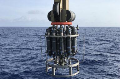 اكتشاف دورة هيدروكربونية هائلة غير معروفة مختبئة في المحيطات - انبعاث وإعادة تدوير الهيدروكربونات الطبيعية - عينات البنتاديكان في المحيط