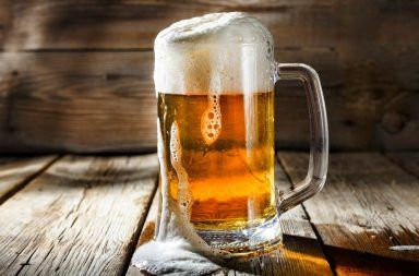 فيزياء البيرة أو الجعة الفيزيائي الإسباني خافيير رودريغيز الظاهرة الغريبة للجعة أو البيرة الظواهر الفيزيائية المعقدة في كوب من الجعة