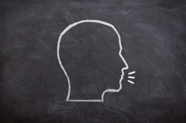 تحدث الأطفال لغتين يطور بنية أدمغتهم - الطفل الذي يتكلم لغتين سيمتلك دماغًا أفضل حين يكبر ممن يتكلم لغة واحدة - أثر تعلم اللغة على الدماغ - المادة الرمادية