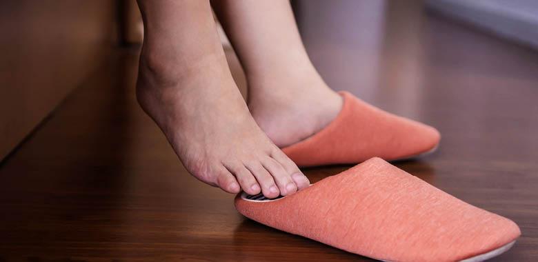 ما أسباب ألم الكعب (العقب)؟ وما علاجه - شريط متين من الأنسجة الضامة الليفية يربط عضلة ما بعظم معين - آلام تمنعك من الحركة