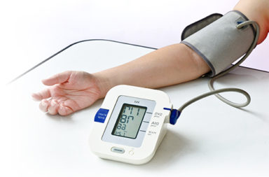 فرق الضغط الدموي بين الطرفين العلويين دلالة على مرض القلب وزيادة خطر الوفاة - قياسات ضغط الدم للقيمتين الانقباضية والانبساطية