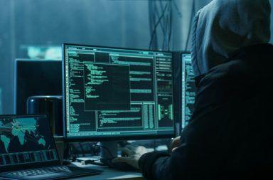قد يكون هجوم إلكتروني كبير بخطورة هجوم نووي حرب نووية تبيد البشرية القرصنة عبر الانترنت سرقة البيانات الحرب الإلكترونية زرع برمجيات خبيثة في محطات الطاقة