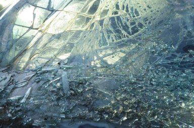 لماذا ينكسر الزجاج غالبًا عندما يتجمد؟ - لماذا يتكسر الزجاج عند تعرضه للبرودة الشديدة - انكسار البلور عند تجمده - انتقال الطاقة الحرارية من جسم إلى آخر