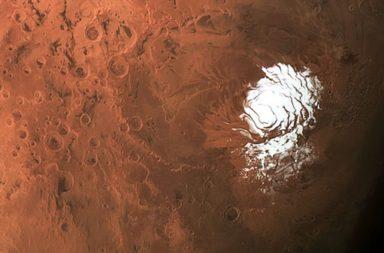 اكتشاف مجموعة من البحيرات تحت سطح كوكب المريخ - وجود خزان ضخم من المياه السائلة تحت سطح المريخ في قطبه الجنوبي - الغطاء الجليدي للمريخ