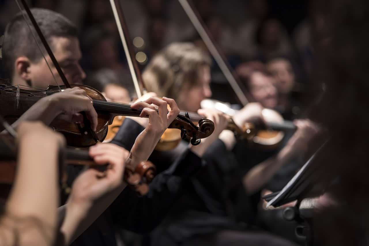 للاستماع لبيتهوفن أثناء الدراسة أثر كبير عند الامتحان - موسيقى بيتهوفن وشوبان الكلاسيكية - إعادة تنشيط الذاكرة أثناء النوم العميق