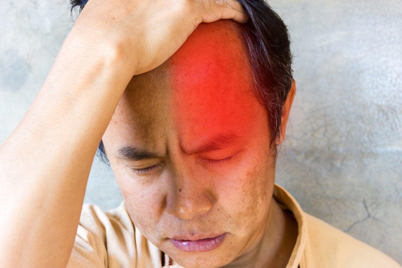 الصداع العنقودي: الأسباب والأعراض والتشخيص والعلاج