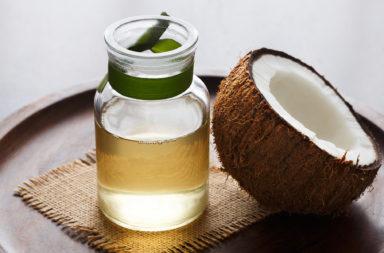 فوائد زيت جوز الهند للبشرة - ما زيت جوز الهند؟ خصائص زيت جوز المضادة للميكروبات والجراثيم والفطريات - استخدام زيت جوز الهند على الجلد