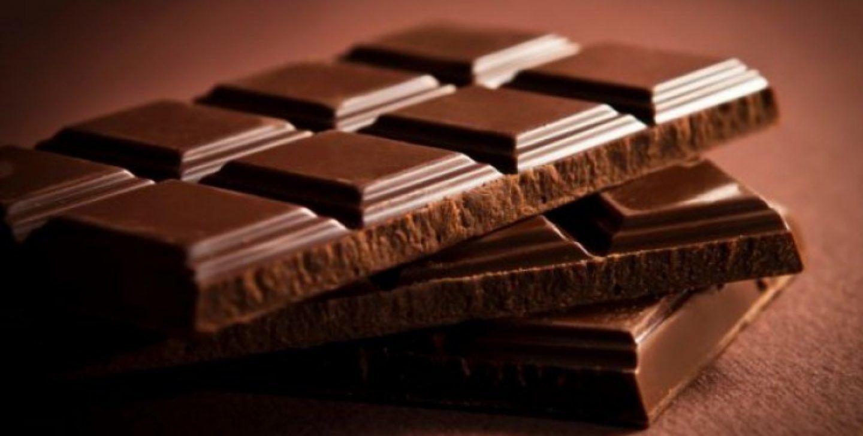هل يتسبب أكل الشوكولاتة بظهور البثور؟