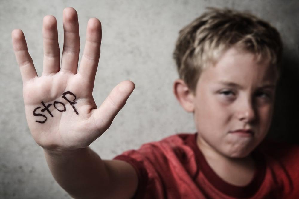 العقاب كوسيلة تربوية: ما هي أنواعه؟ وما مدى فاعليته؟