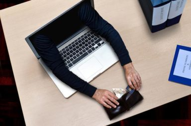 بطاقة خصم مباشر - البطاقات الائتمانية والاحتيال - البطاقات مسبقة الدفع - إحصائيات الدفع الإلكتروني - اعتماد المدفوعات عبر الإنترنت