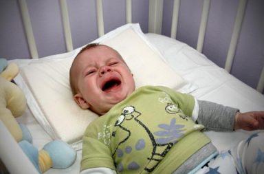 لا تدع الطفل يبكي كثيرًا: نصيحة بطل مفعولها - تهدئة الطفل نفسه بنفسه - وعي الطفل بذاته - الارتباط أو التطور السلوكي عند البلوغ