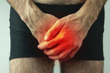 أجرى الأطباء صورة شعاعية للحوض، فاكتشفوا أن قضيب المريض يتحول إلى عظم تعظم القضيب ترسب الكالسيوم في الأنسجة الرخوة من الجسم