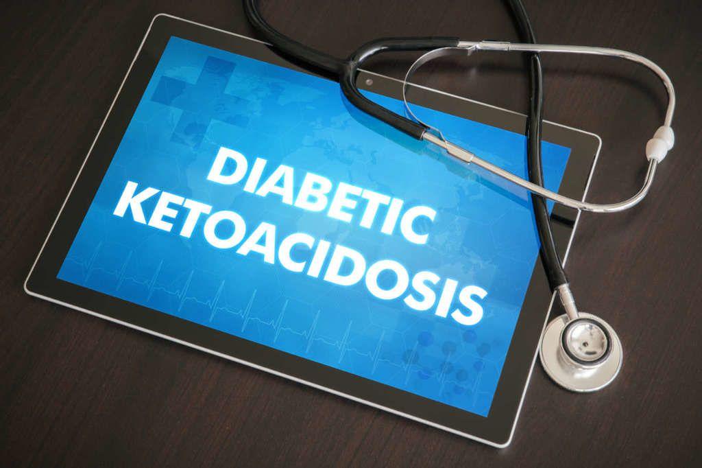 الحماض الكيتوني السكري (DKA): الأسباب والأعراض والتشخيص والعلاج