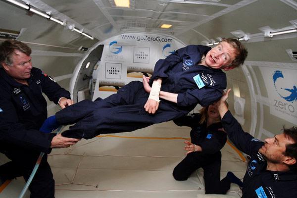 ستيفن هوكينغ وتجربة انعدام الجاذبية