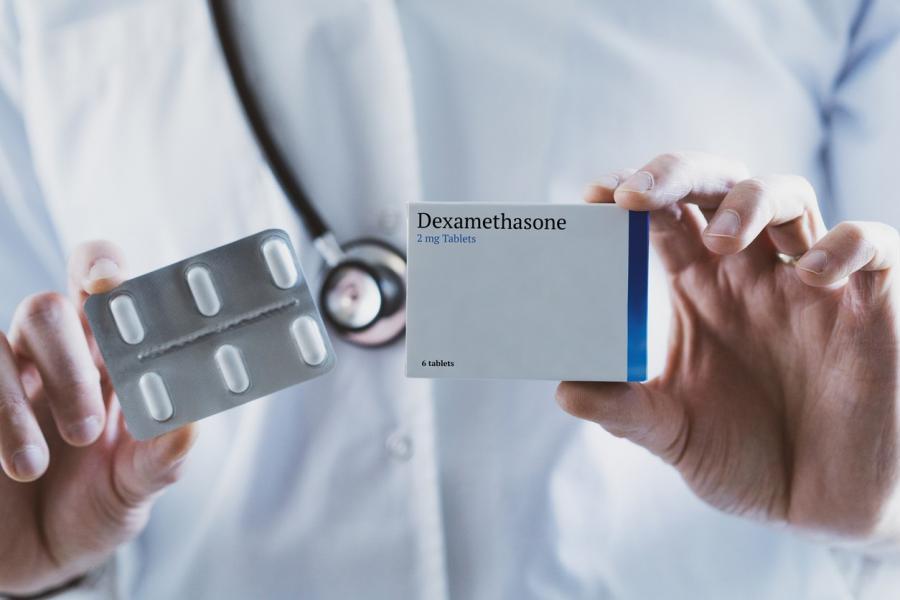 دواء ديكساميثازون: الاستخدامات والجرعات والتأثيرات الجانبية والتحذيرات