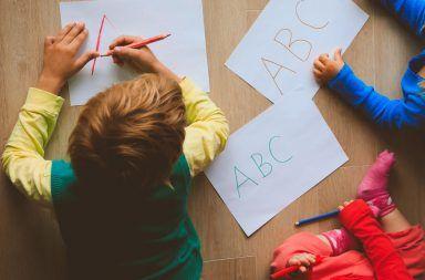 النوم والانتظام و المشاكل السلوكية في الطفولة المشاكل في تصرفات الطفل اضطراب نقص الانتباه وفرط الحركة ADHD الصحة والطب النفسي للأطفال