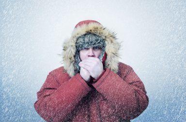 انخفاض الحرارة (Hypothermia): الأسباب والأعراض والتشيص والعلاج أسباب انخفاض درجة حرارة الجسم دون المستوى الطبيعي Hypothermia