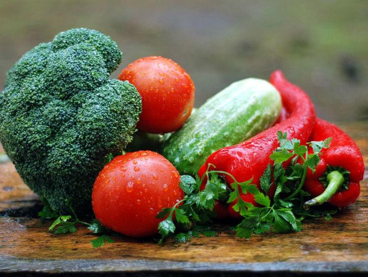 إليك قائمة بألذ الخضراوات قليلة الكربوهيدرات التي تستطيع تناولها في نظامك الغذائي!