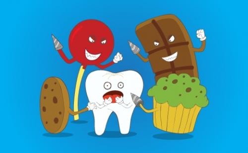 عادات سيئة تدمر أسنانك عليك تجنبها - تشقق الأسنان وربما كسرها - ممارسة الرياضة دون استخدام واقي الأسنان - السكر المضاف - التسوس