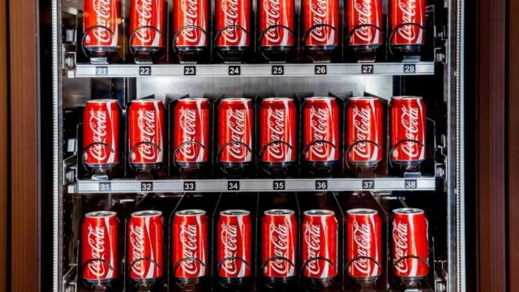 ماذا الذي يحدث لاجسامنا بعد 60 دقيقة من شرب علبة كوكا كولا؟