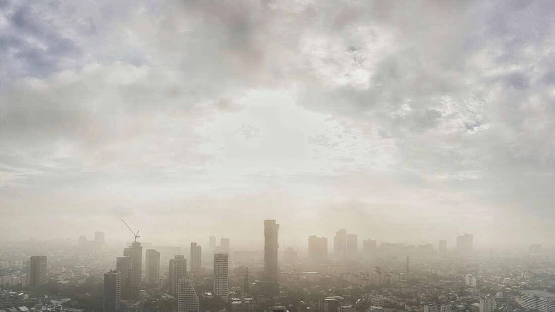 احذروا المدن ملوثة الهواء كي لا تفقدوا بصركم فقدًا دائمًا - العلاقة بين تلوث الهواء وارتفاع خطر تطور حالة التنكس البقعي المرتبط بالسن