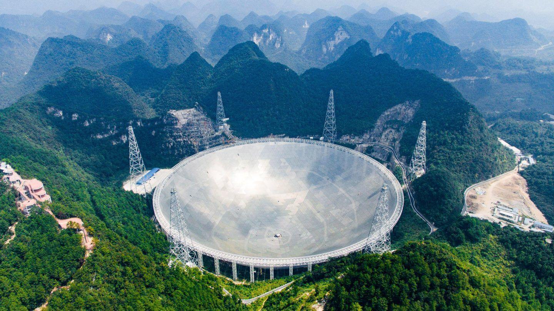 تلسكوب راديوي عملاق في الصين اكتشف إشارات متكررة من الفضاء