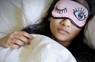 لماذا النوم مهم جدًا لفقدان الوزن - التمارين الرياضية والحمية الغذائية - علاقة وجود كميات كبيرة من الدهن بساعات النوم في الليل - فقدان الوزن