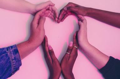 سبع خرافات عن الوحدة يصدقها الجميع. إليك صحتها - ما الذي يتطلبه علاج الوحدة - الشعور بالوحدة الذي يمر فيه كل من الشباب وكبار السن - التواصل الاجتماعي