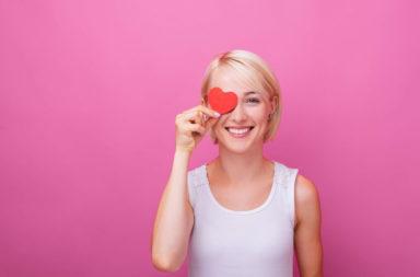 كيف أغازل؟ تعلم الأنماط الخمسة للمغازلة - لتقييم الأنماط المتنوعة للغزل التي يستخدمها الأفراد للتعبير عن اهتماماتهم العاطفية تجاه الشريك المحتمل