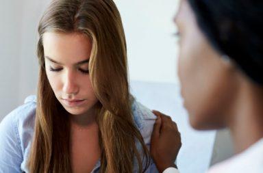 ما سبب زيادة نسب الانتحار بين المراهقين؟ - العرض غير المسؤول لقضايا الانتحار والميول الانتحارية - معدلات انتحار المراهقين حول العالم