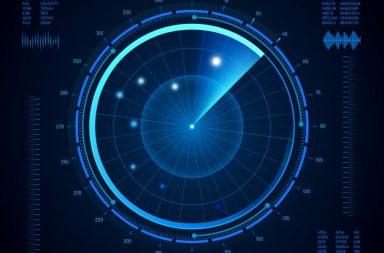 كيف يعمل الرادار ؟ - مركز مراقبة الحركة الجوية الرادار لتتبع مسار الطائرات على الأرض وفي أثناء تحليقها - سرعة سائقي السيارات على الطرق السريعة