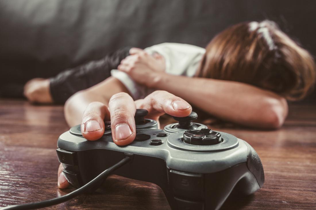 العلاقة بين لعب ألعاب الفيديو في الصغر وتحسن الذاكرة - لعب ألعاب الفيديو في الصغر قد يحسن الذاكرة العاملة لمهام معينة بعد مرور أعوام