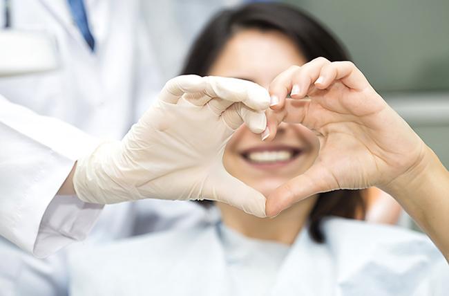 هل لأمراض اللثة علاقة بالالتهابات وبأمراض القلب والسرطان؟