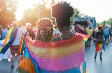 ما هي نصف اللا جنسية - الأشخاص الذين لا يشعرون بانجذاب جنسي نحو أي أحد إلا بعد تطوير علاقة عاطفية قوية - العاطفة والجنس - الرغبة الجنسية تجاه الشريك