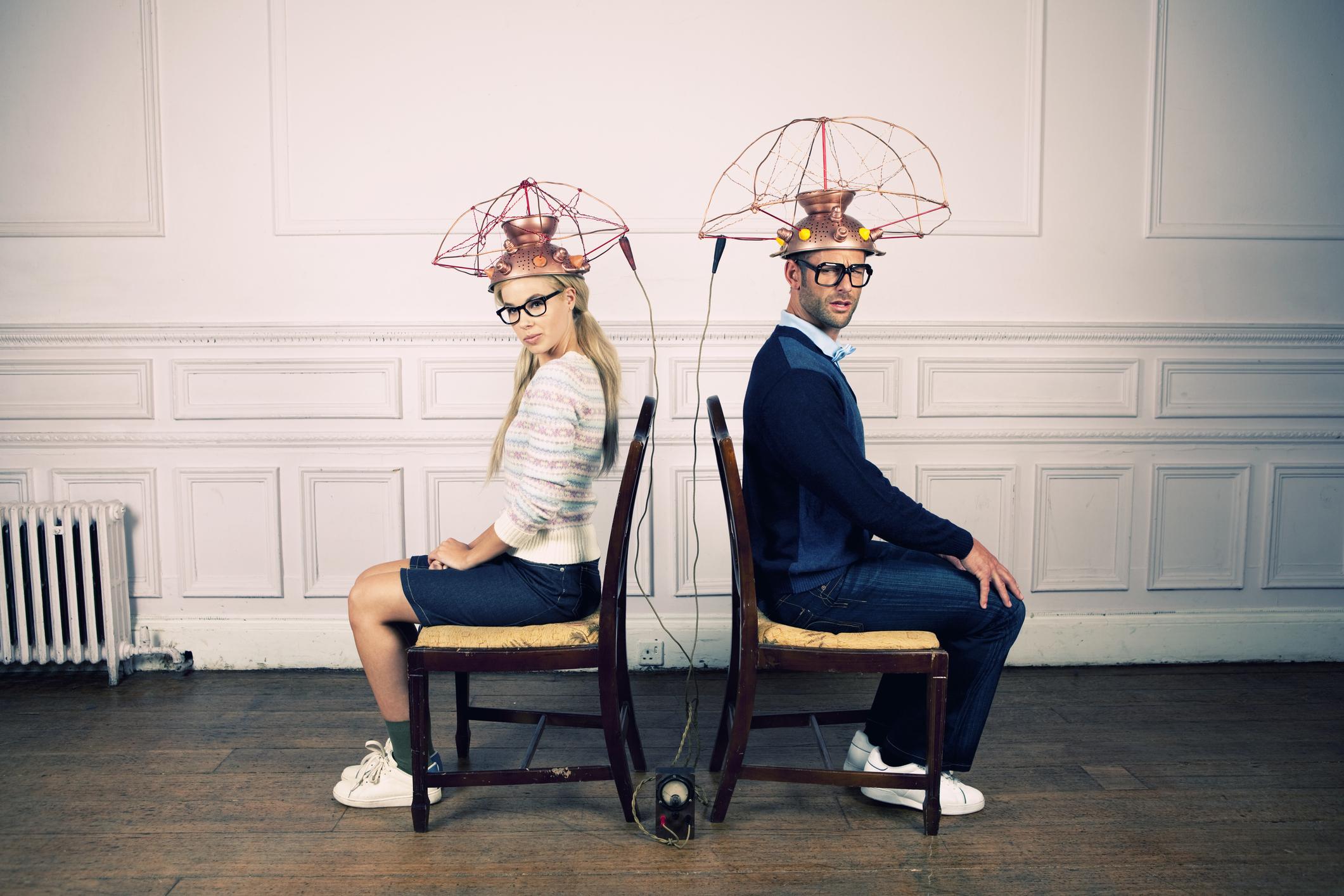 هل يمكنك قراءة عقل شريكك؟ وهل هذا أمر جيد أم سيء - قراءة عقل الشريك - قراءة العقل المستنبطة من ردود المشاركين المكتوبة - المواجدة السليمة