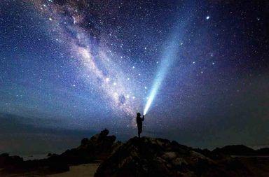 هل الكون نهائي وماذا يوجد عند حافة الكون التوسع الكوني الأكوان المتعددة الكون المنظور الفقاعة الكونية نظرية الأوتار المسافات الكونية