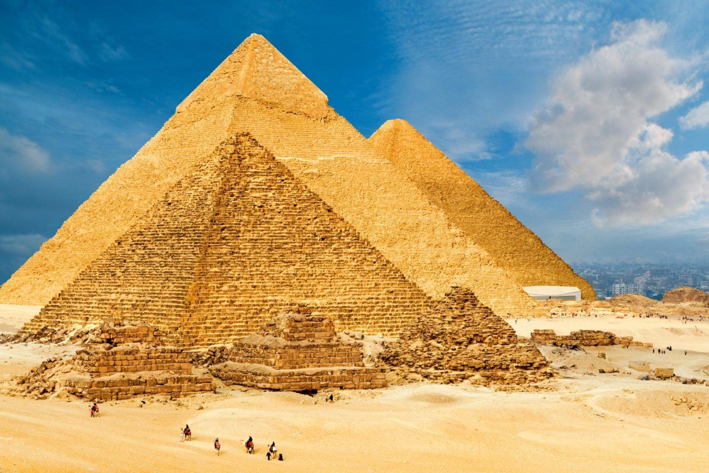 أهرامات مصر: من بنى الأهرامات وكيف تم بناؤها؟