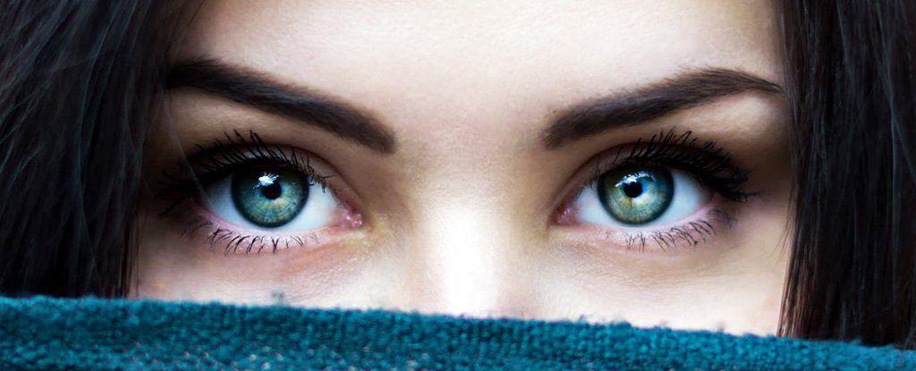التحديق في عيني شخص ما لعشر دقائق يؤدي إلى تغير حالة الوعي