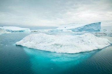 أمطرت قبل أيام على قمة الغطاء الجليدي في جرينلاند لأول مرة في التاريخ المسجل! ما الذي يعنيه ذوبان الغطاء الجليدي في جرينلاند ؟