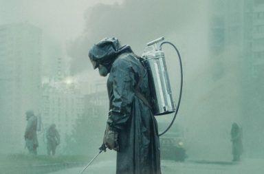 الحقيقة والخرافة في مسلسل تشيرنوبل مجموعة من الحقائق والخرافات التي شهدناها في مسلسل تشرنوبل كارثة المفاعل النووي الانفجار الإشعاع