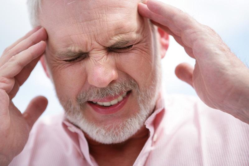 الصداع: الأسباب والعلاج - نصف عدد البالغين حول العالم يعانون الصّداع - فرط استهلاك مسكنات الألم قد يؤدي إلى الصداع الارتدادي