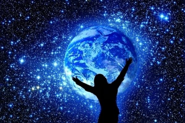 الإنسان المجري (Homo Galacticus): كيف سيغير الفضاء شكل الإنسان المستقبلي؟