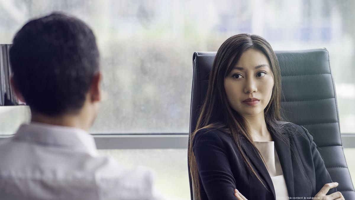 كيف تتعامل مع أصحاب المواقف الدفاعية - كيفية التعامل باحترام مع شخص لا يوافقك الرأي أو يجعلك تبدو مخطئًا - الاستجابة الاجتماعية السلبية