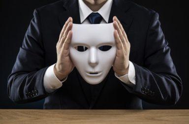 هل السايكوباتيون أذكياء كما يبدون - هل يمتلك السايكوباتيون بالفعل قدرات رهيبة تسمح لهم بخداع الآخرين بغية النجاح - وصف السايكوباتي أو المعتل النفسي