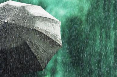 لماذا يسقط المطر بشدة أقوى في بعض الأيام - التيارات الهوائية الرطبة الصاعدة - العواصف الرعدية العنيفة - لماذا تمطر السحب مطرًا شديدًا