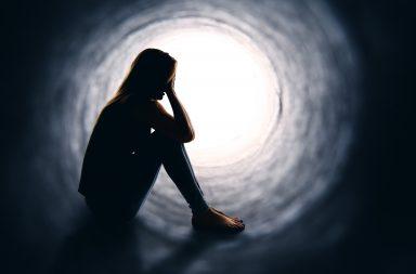 لماذا أشعر بالندم؟ ما الذي يمكنني فعله حيال ذلك - نحننندم على ما كان يمكننا فعله أكثر من ندمنا على ما كان يجب علينا فعله - عيش حياة معقدة - الندم