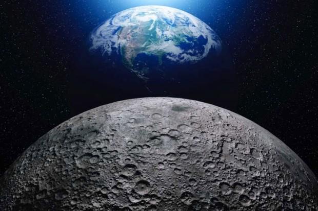 كم من الوقت سيستغرق المشي حول القمر ؟