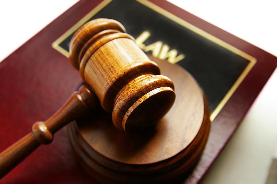 لماذا يطيع الناس القانون